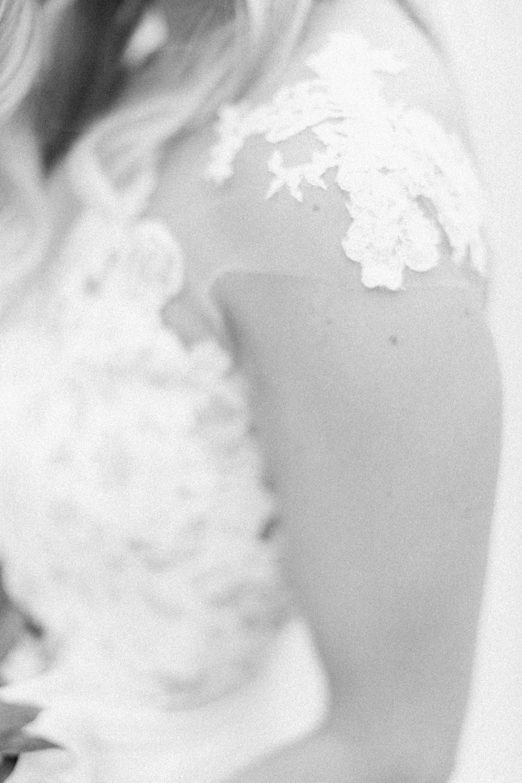 Breatt-and-Katies-romantic-Lake-house-wedding-Calgary-32.jpg