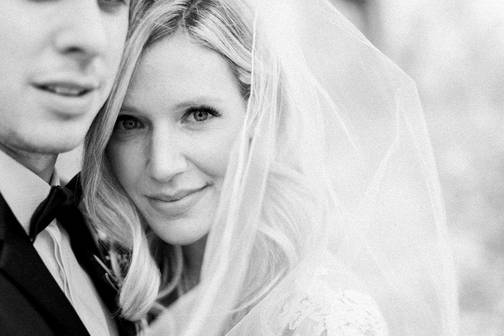 Breatt-and-Katies-romantic-Lake-house-wedding-Calgary-44.jpg
