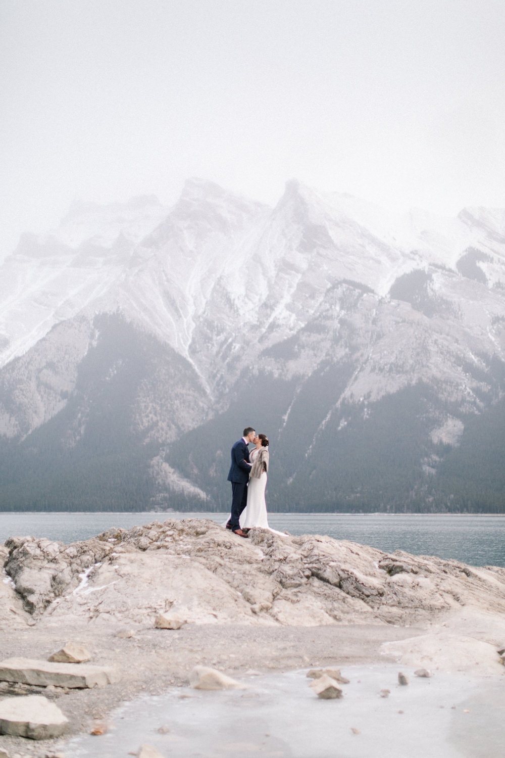 Torsten-and-Nina-at-Fairmont-banff-springs-Lynn-fletcher-weddings-63.jpg
