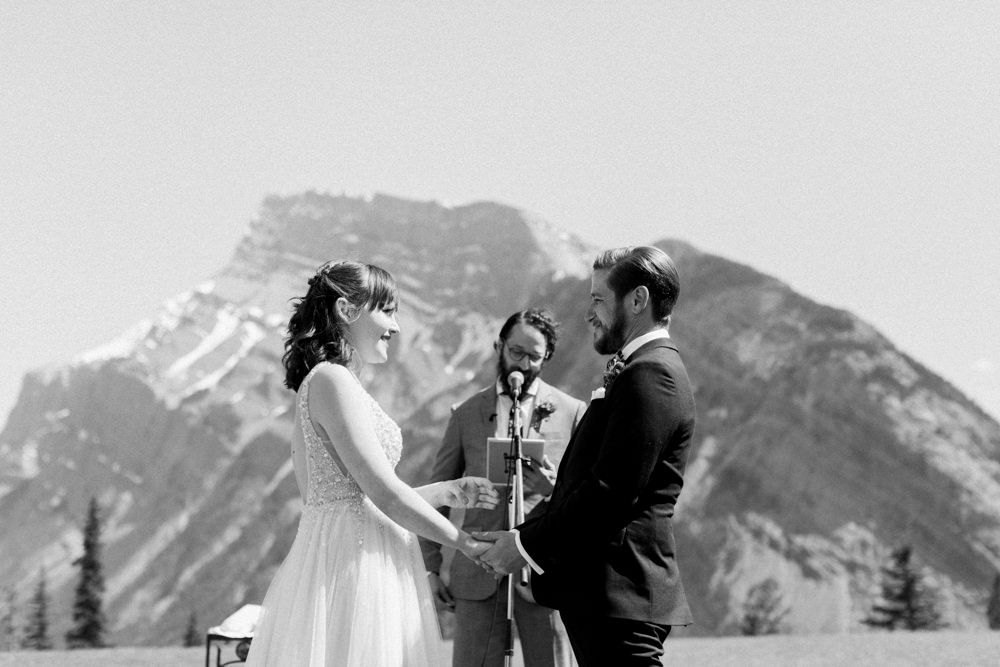 Buffalo-Mountain-Lodge-Banff-Wedding-19.jpg