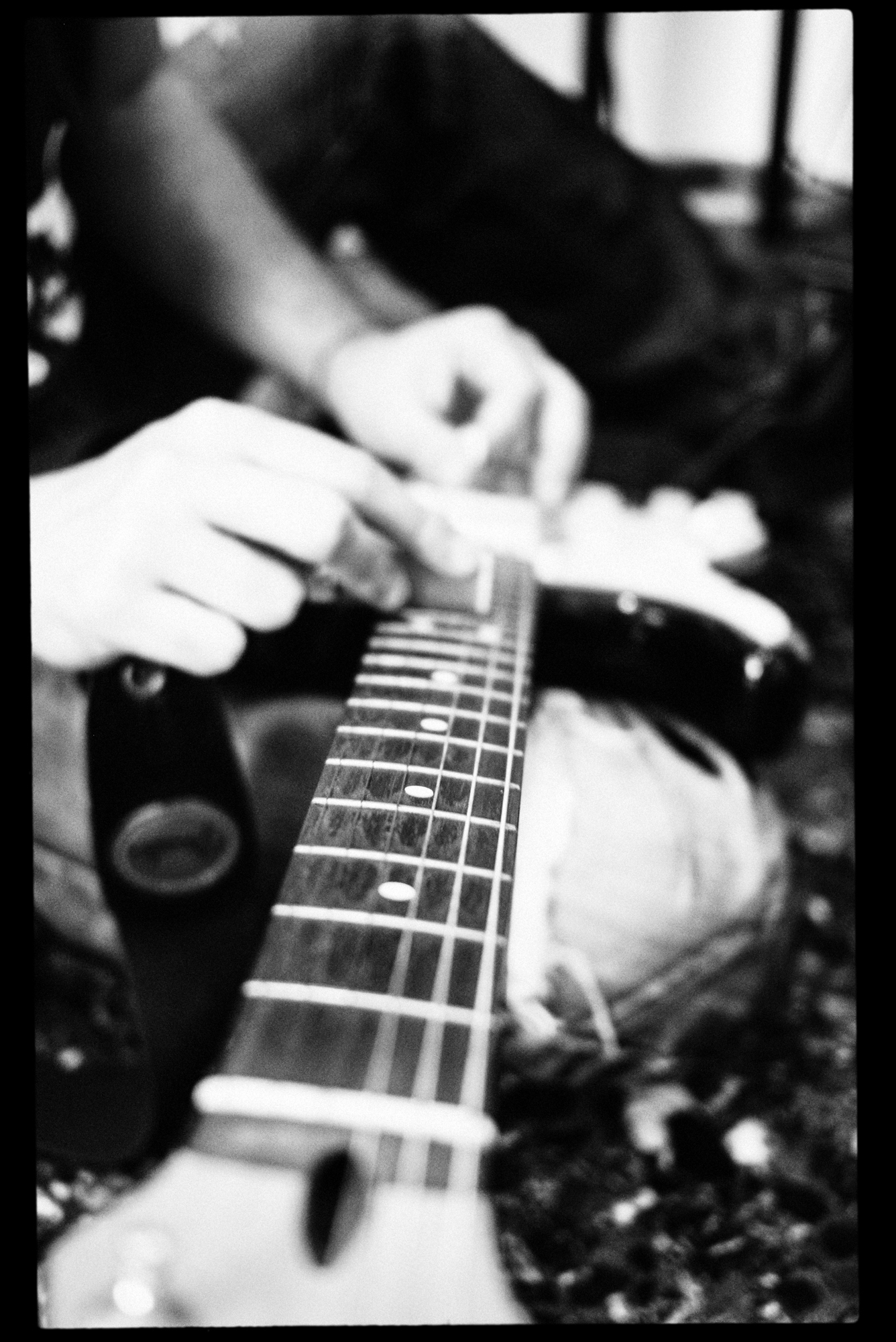 Fuzzy distortion slide guitar...using a lighter...