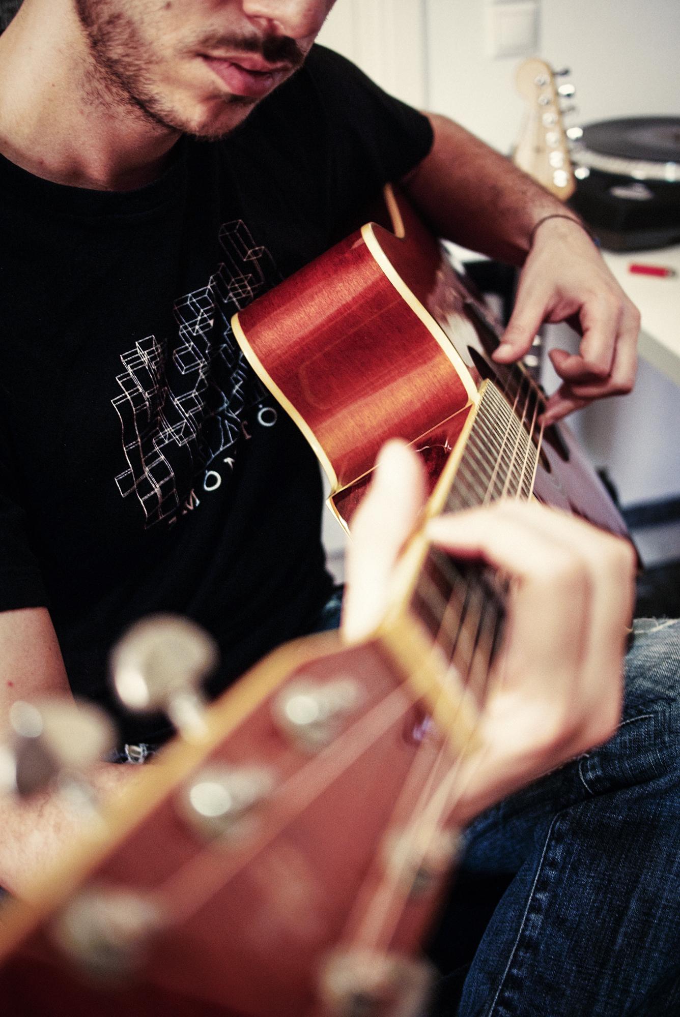 Adding some acoustic guitar arpeggios
