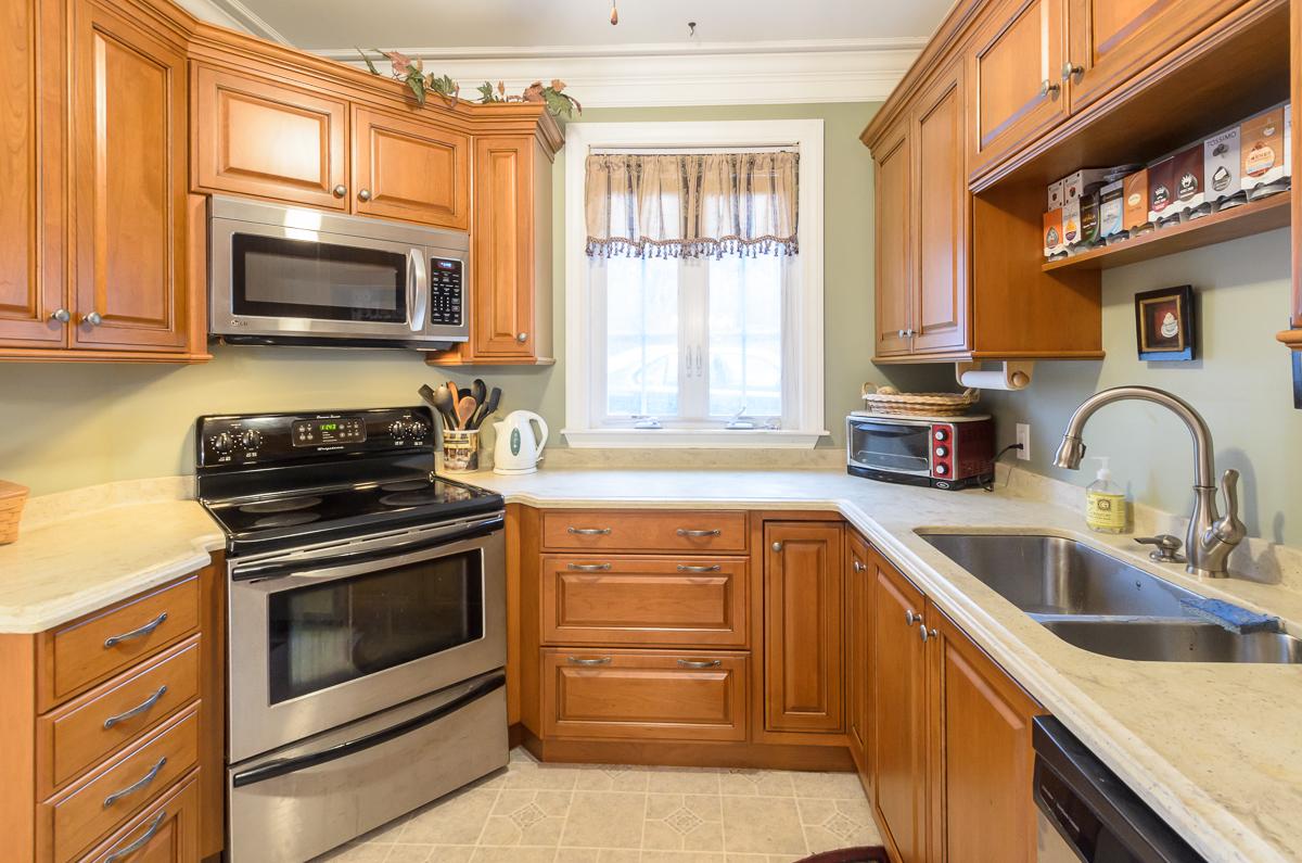 Kitchen_Associates_Clinton_MA_-3.jpg