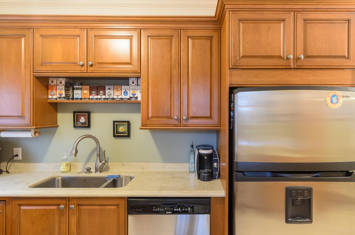 Kitchen_Associates_Clinton_MA_-2.jpg