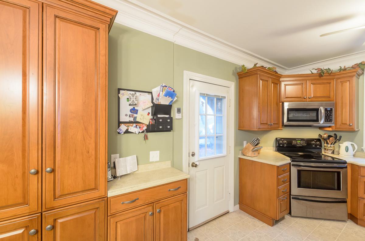 Kitchen_Associates_Clinton_MA_.jpg