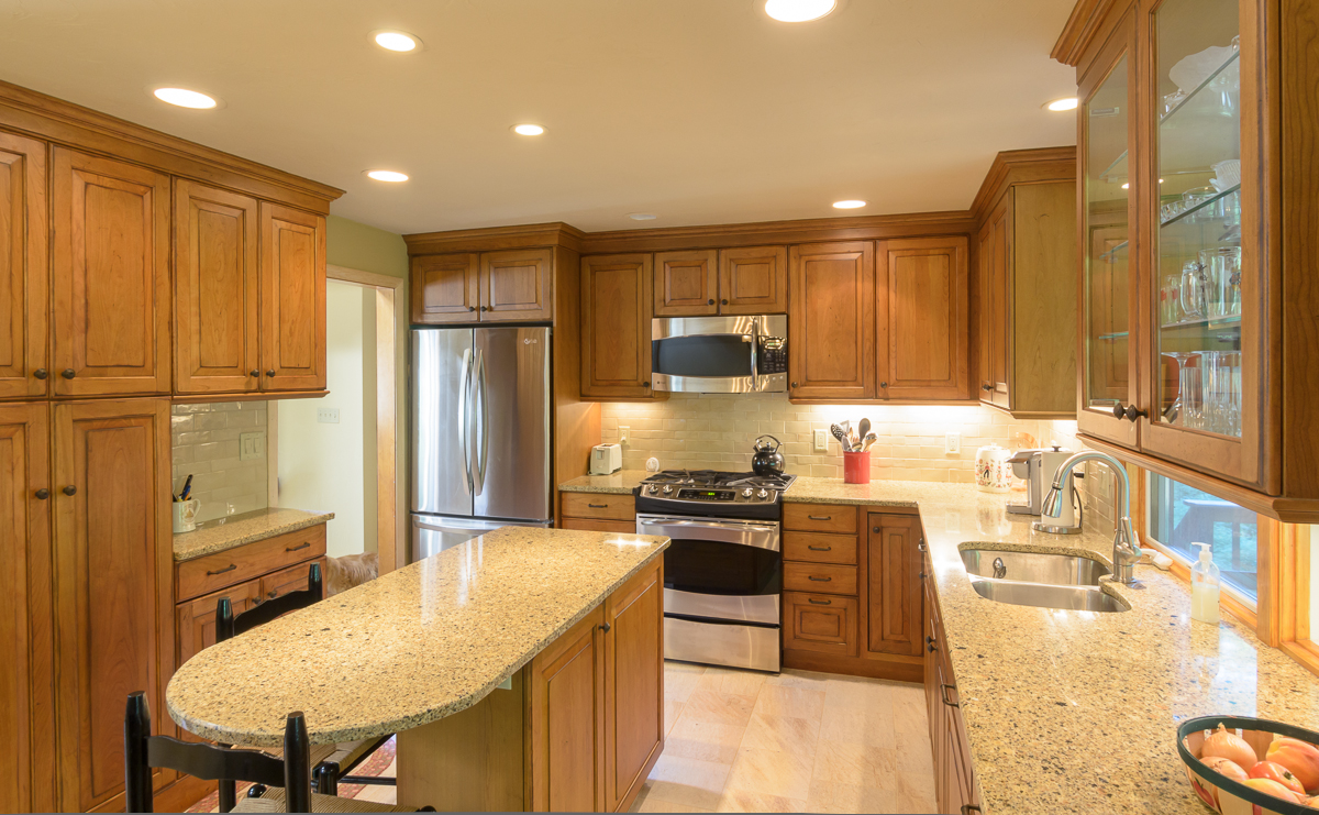 Kitchen_Associates_Westborough_MA-3.jpg