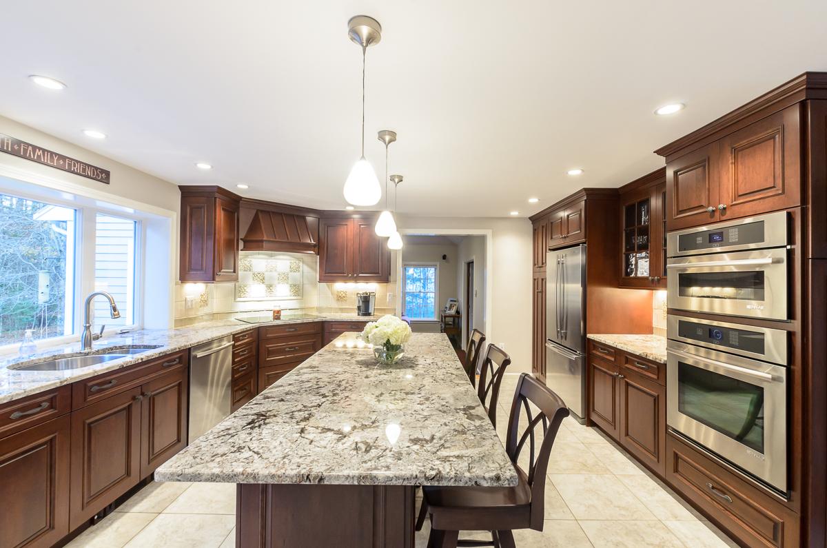 Kitchen_Associates_Boxborough_MA-10.jpg