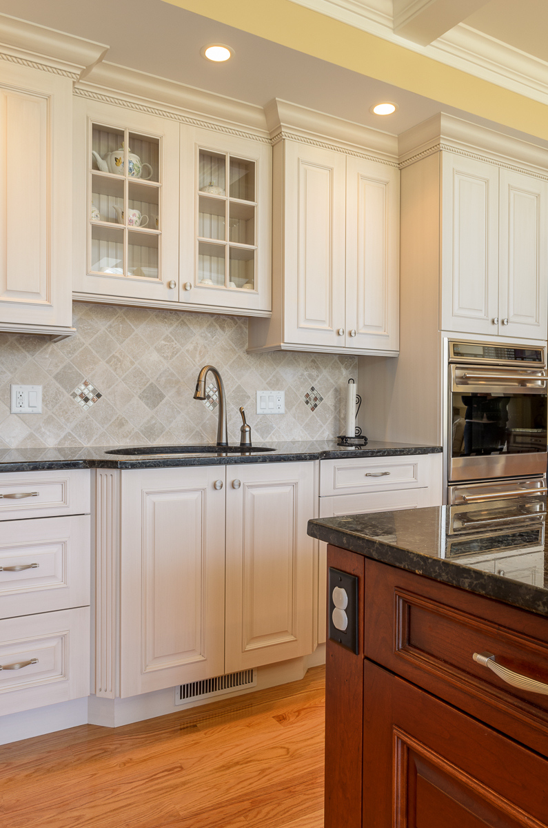Kitchen_Associates_Andover_MA-6.jpg