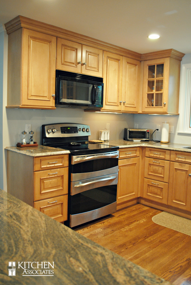 Kitchen_Associates_Remodel_Framingham-2.jpg