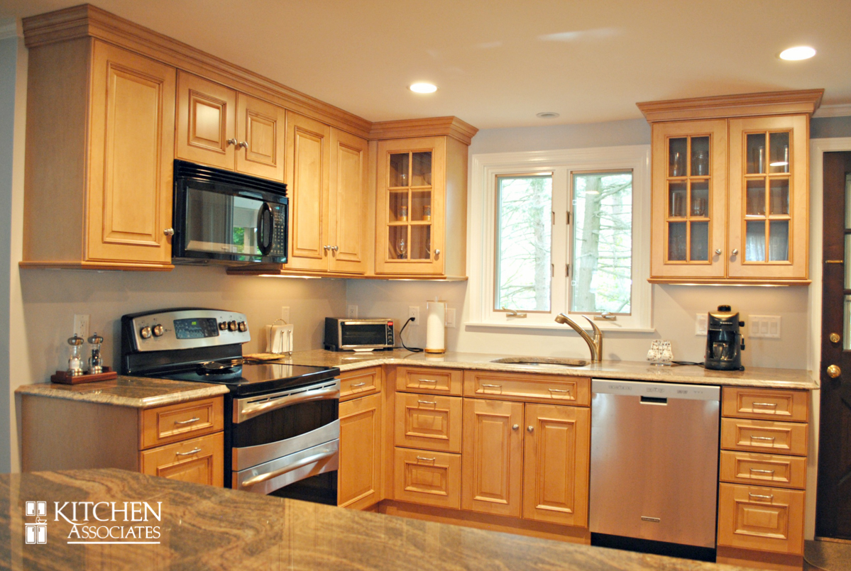 Kitchen_Associates_Remodel_Framingham-1.jpg