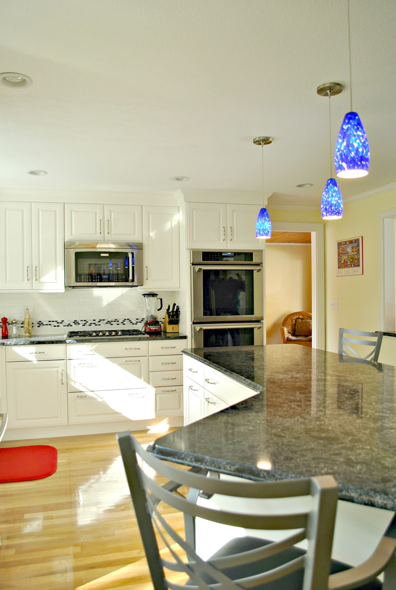 Kitchen_Remodel_Fitchburg_MA_Kitchen_Associates-2.jpg