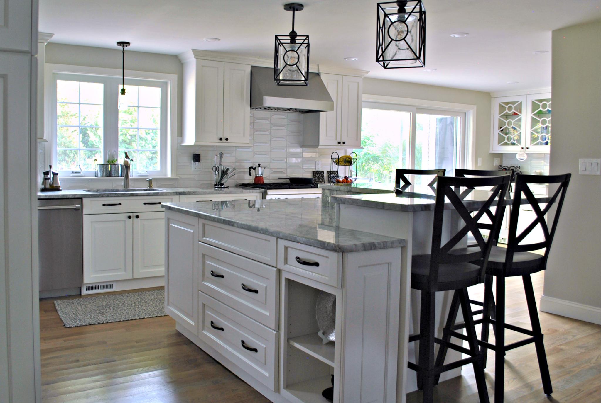 Natick_MA_Kitchen_Remodel_Kitchen_Associates