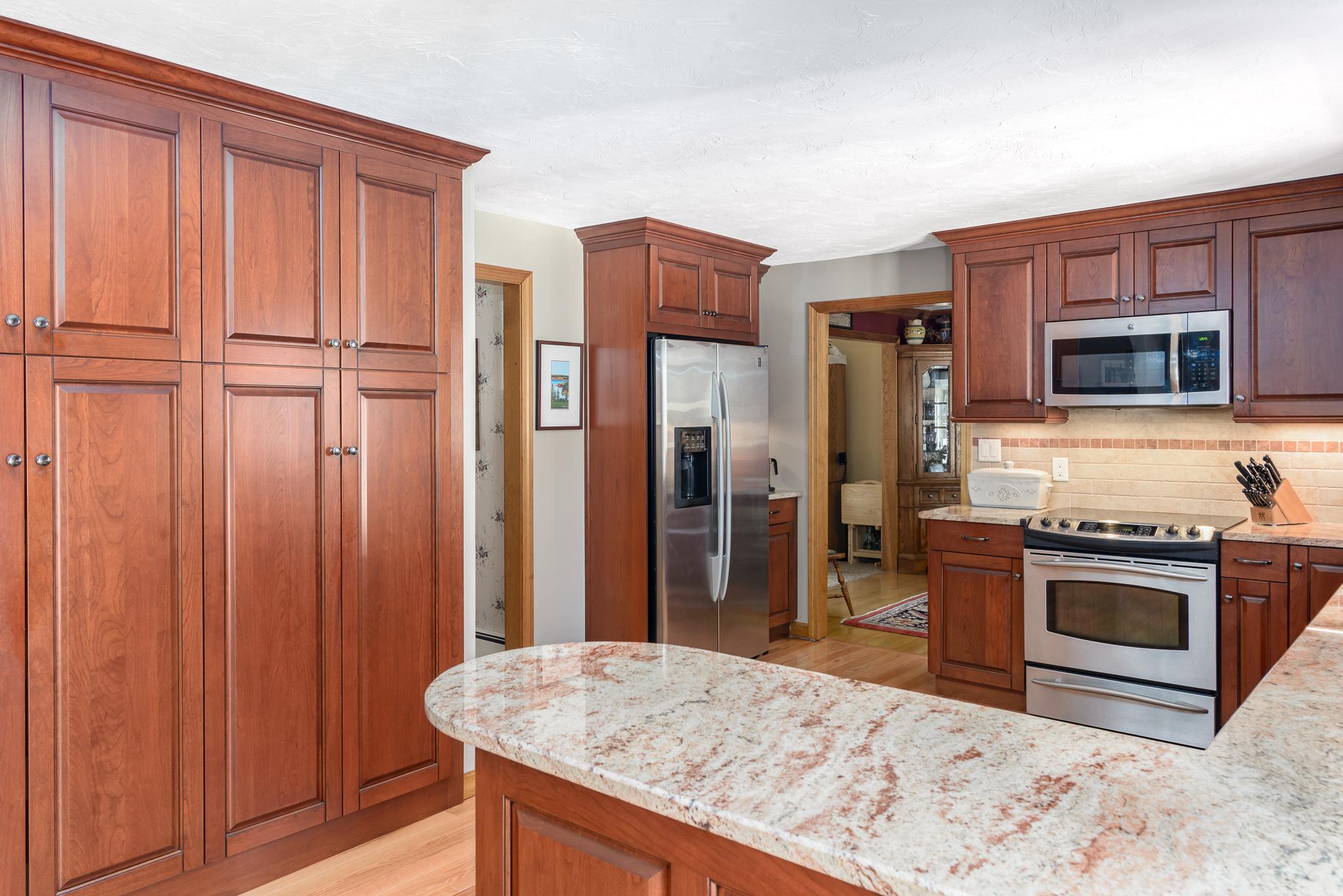 Marlborough_MA_Kitchen_Remodel_Kitchen_Associates