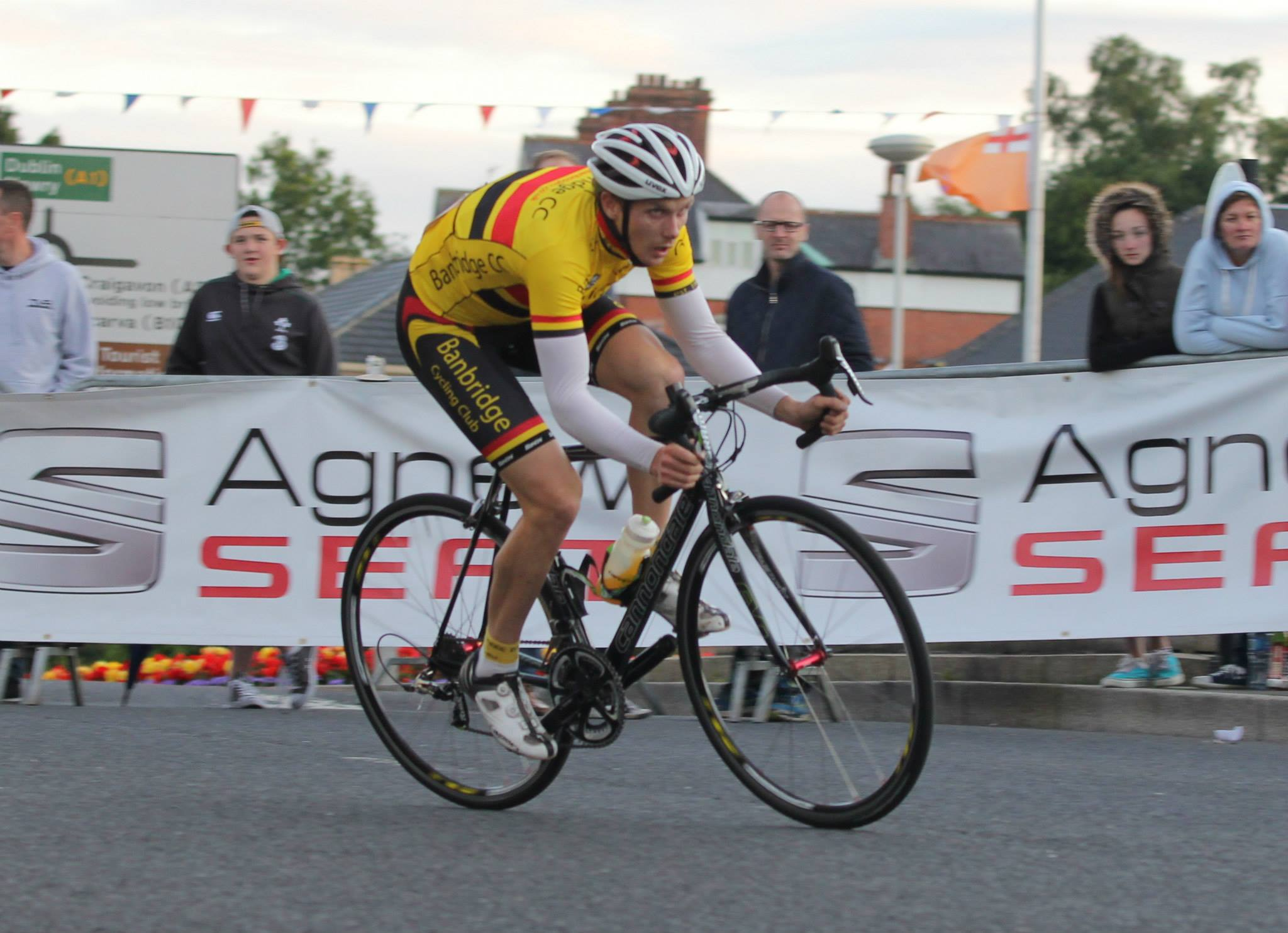 Gareth McKee (Banbridge CC) was determined to put on a show in his home town.