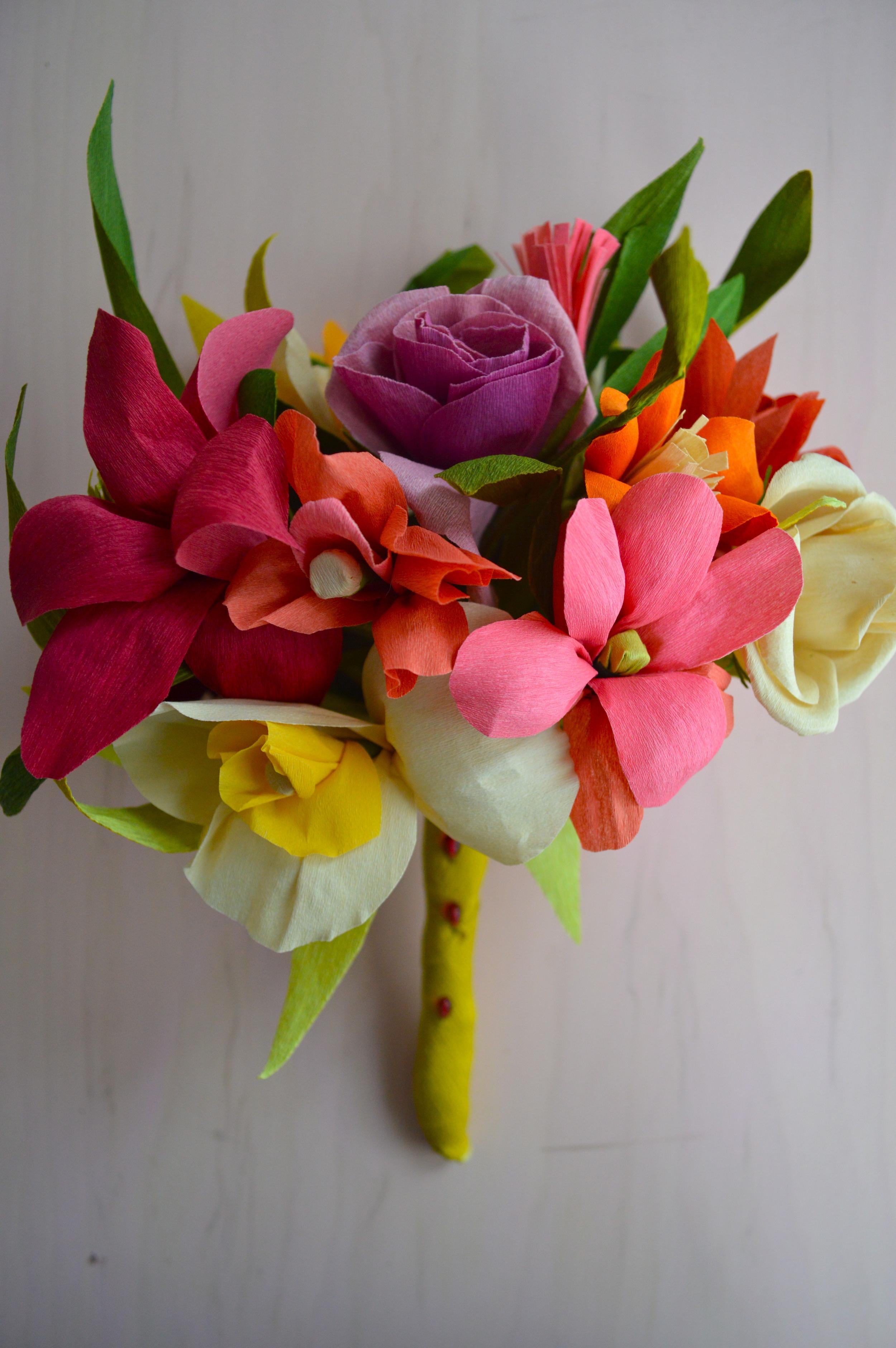 jodi-levine-crepe-paper-bouquet