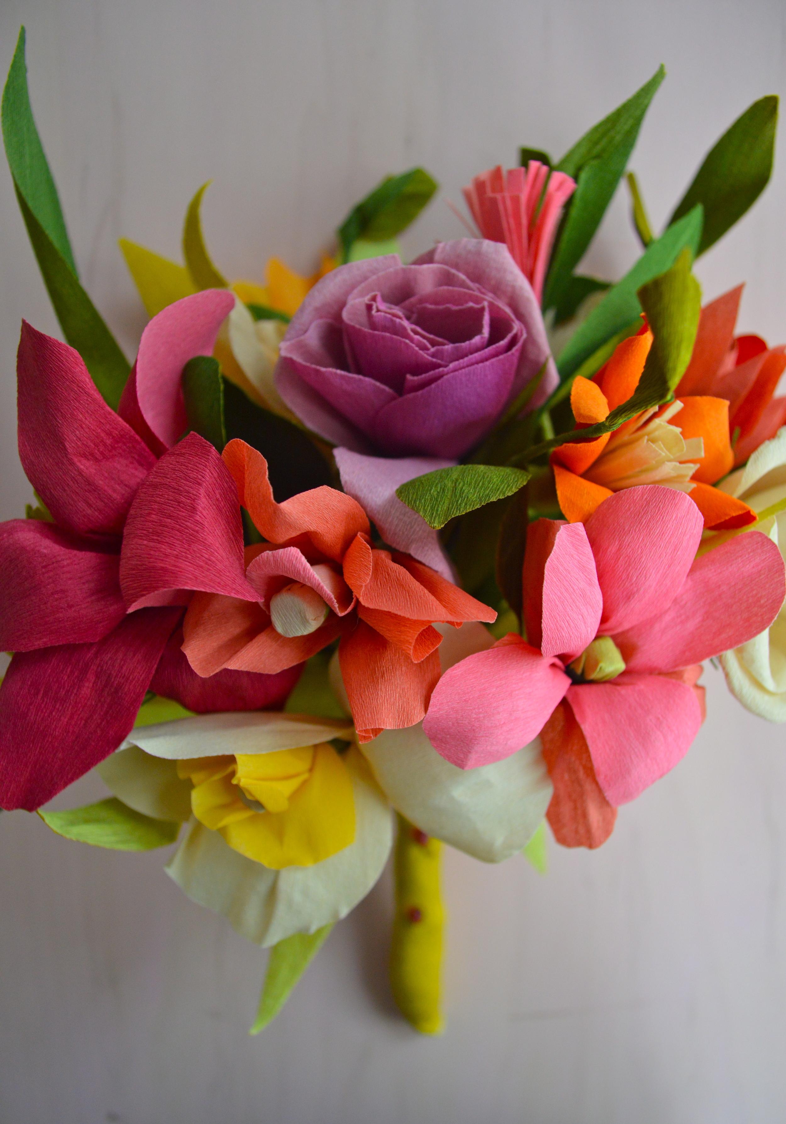 close-up-crepe-bouquet-jodi-levine