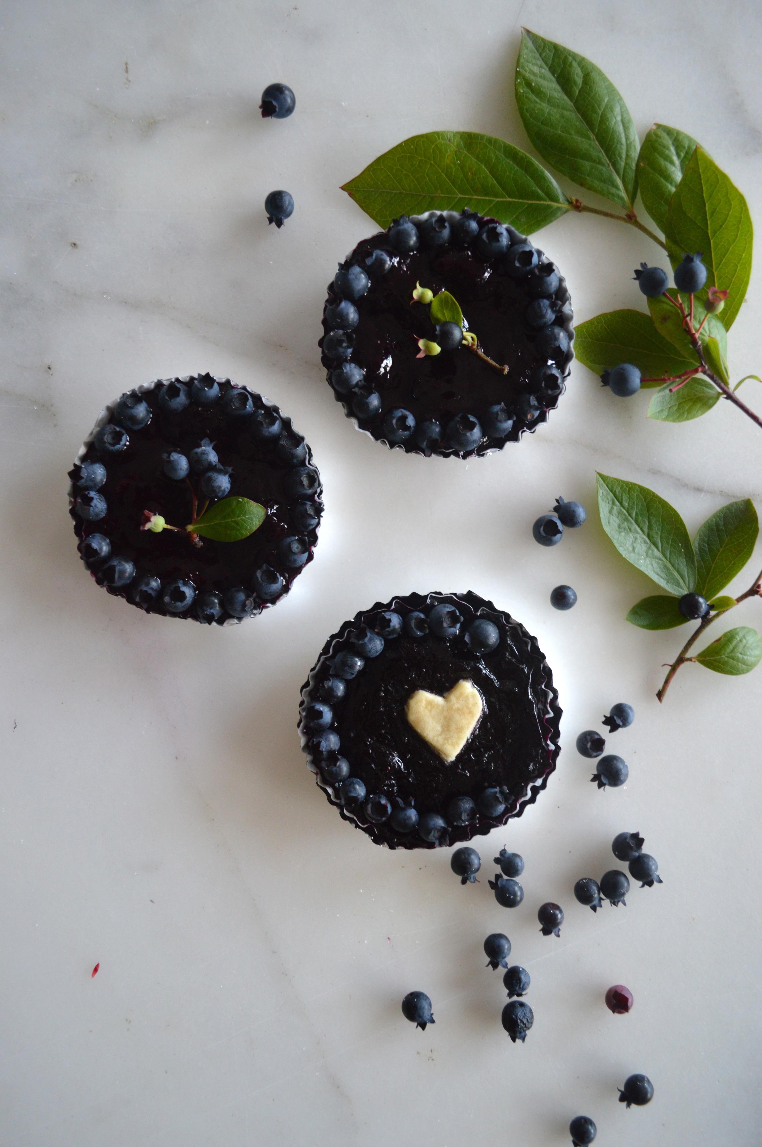 super-make-it-tiny-blueberry tart