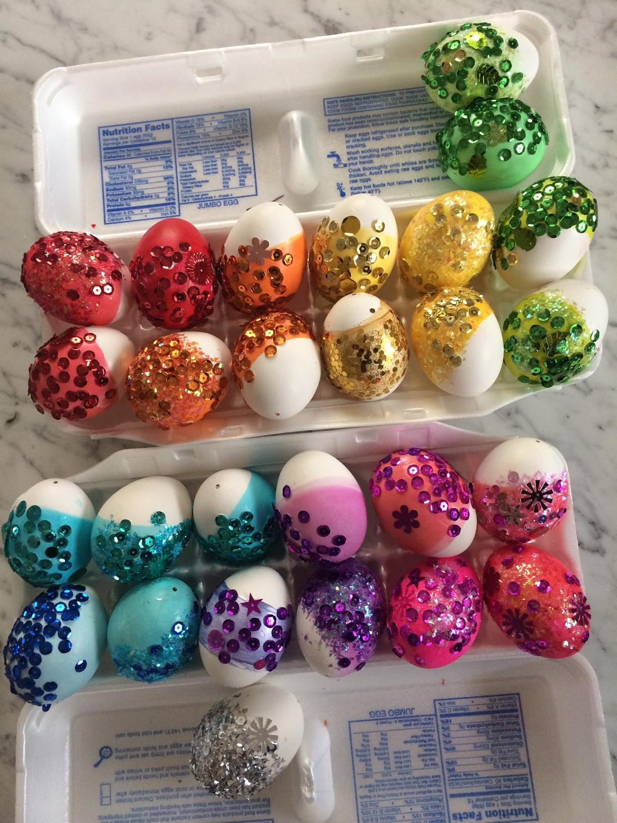 Glittered-Eggs-Super-Make-It