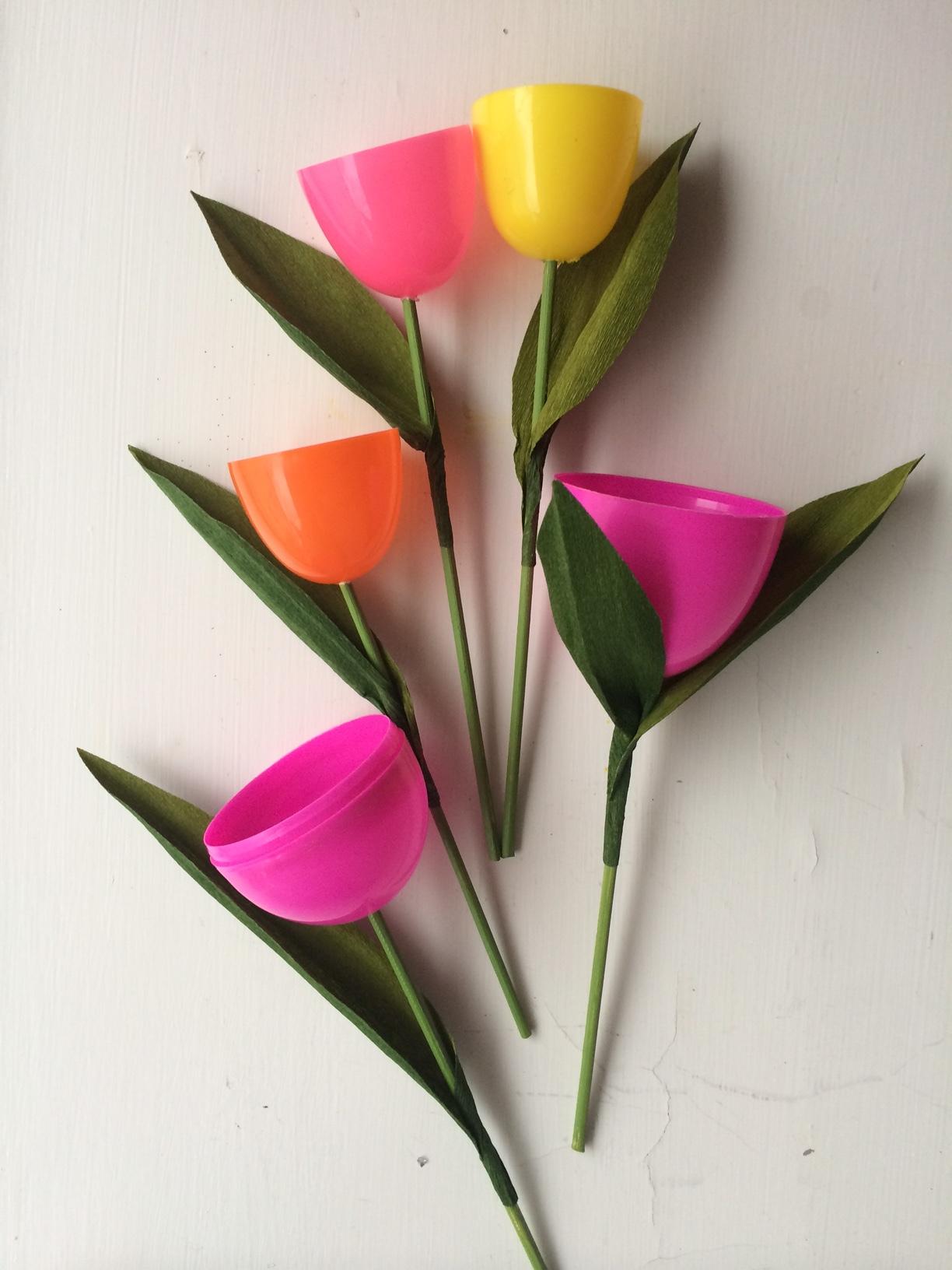 Plastic-Egg-Flower-Super-Make-It