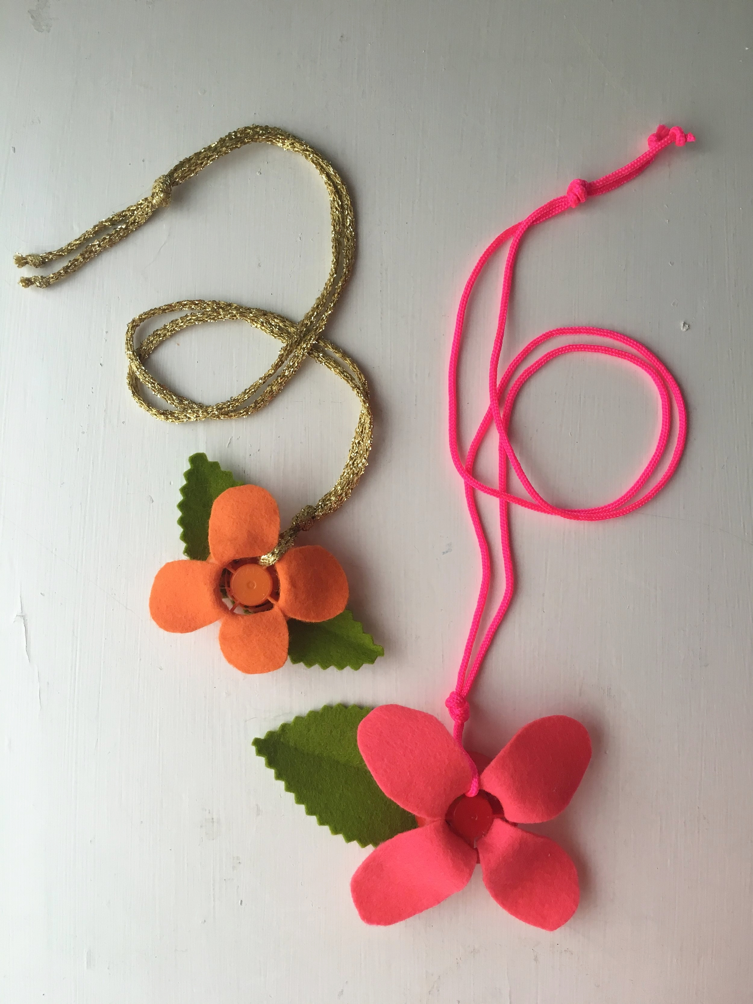 Flower-Necklace-2-Super-Make-It
