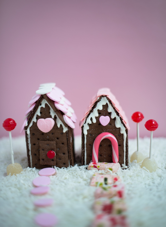 Valentines-Cookie-House-Super-Make-It