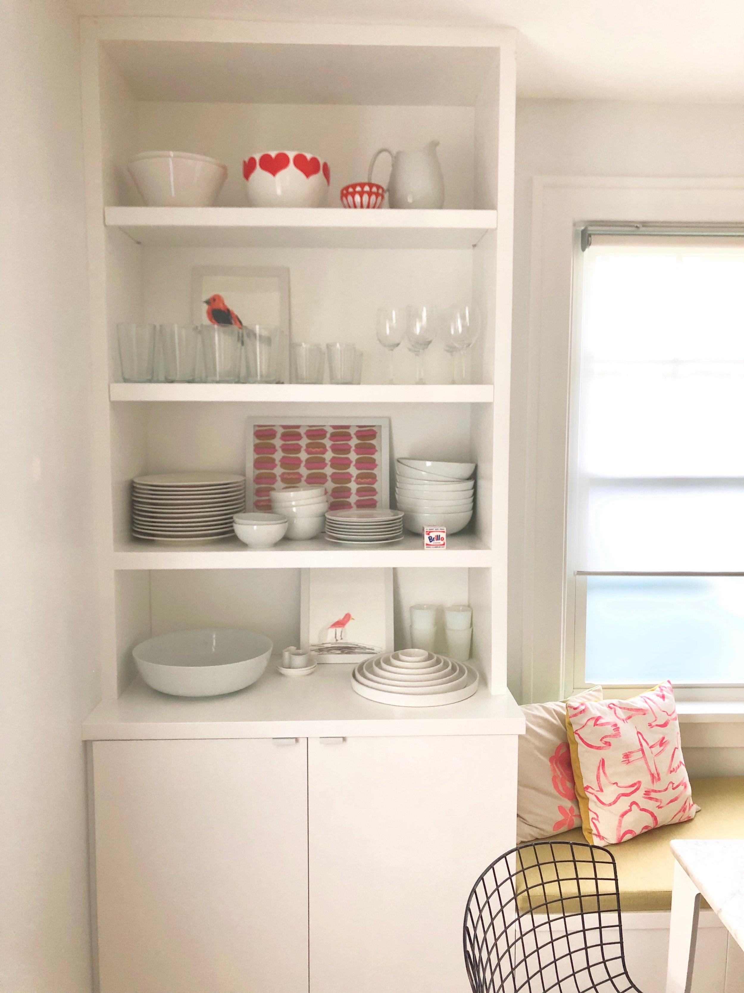 jodi levine-dining-room-shelf