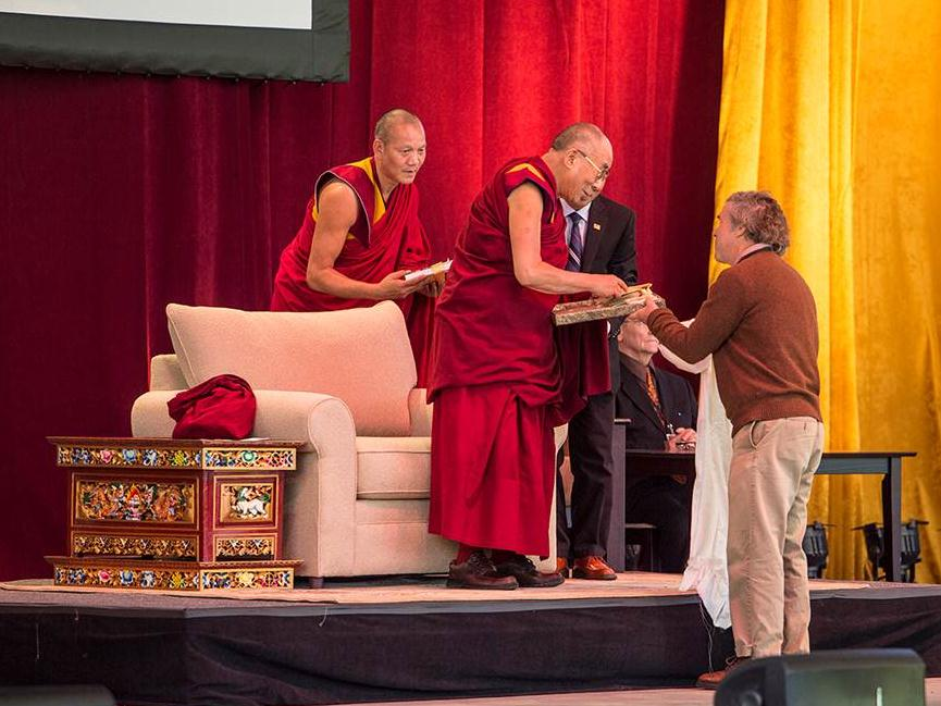 Peter Hatch presents  A Rich Spot of Earth  and garden seeds to Dalai Lama, Charlottesville Pavilion, October 11, 2012.