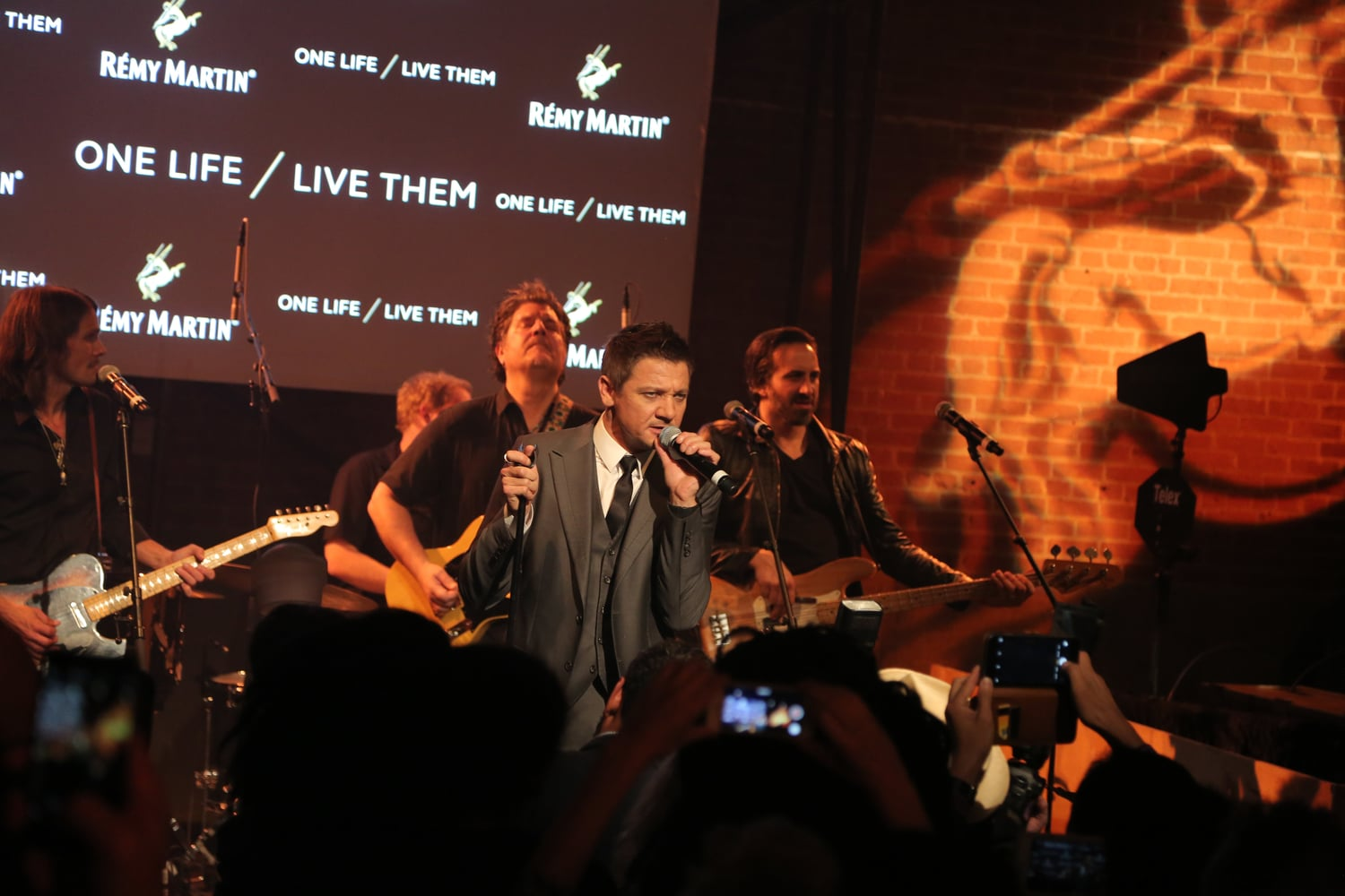 Jeremy+Renner+performs+at+Remy+Martin+One+Life-Live+Them+Campaign+Launch.jpeg