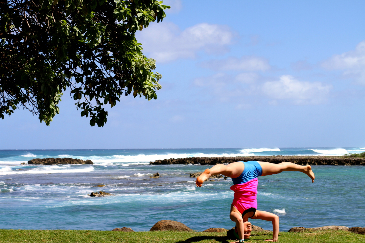 Beachside Headstand at Wanderlust 2014 | Spring on the North Shore of Oahu | Photo by Amanda Michaels-Zech