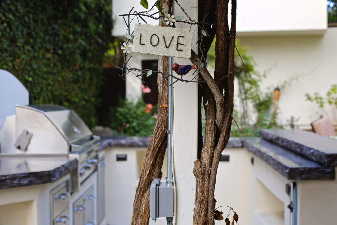 Love Lives Here | Los Angeles, California | Photo by Amanda Michaels-Zech