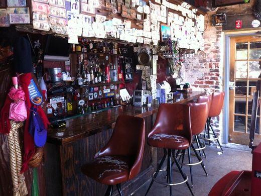 Elliott Street Deli and Pub
