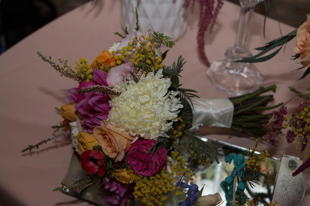 indie wed booth bouquet.jpg