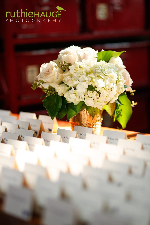 ruthie-hauge-photography-fab-flora-ovation-chicago-wedding-florist-flowers-13.jpg
