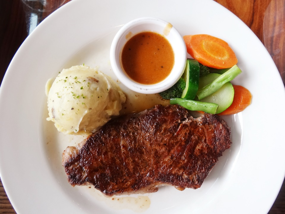 New York Strip - 10 oz. Rp. 249.900  One of the most flavorful steak, but I'd prefer Victoria's Filet (Filet mignon) or rib-eye over this particular cut.