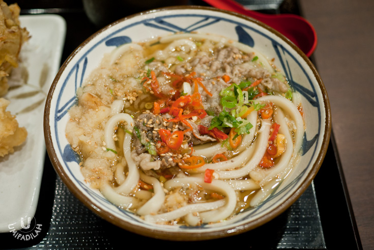 Niku Udon (IDR 45k)  -Fresh udon with sukiyaki beef in kake dashi soup. With additional chili, haha we do it as the locals do it. The high quality of freshness speaks out for the udon itself.  It has the perfect udon texture and the right level of chewiness. Simply my kind of Japanese comfort food.
