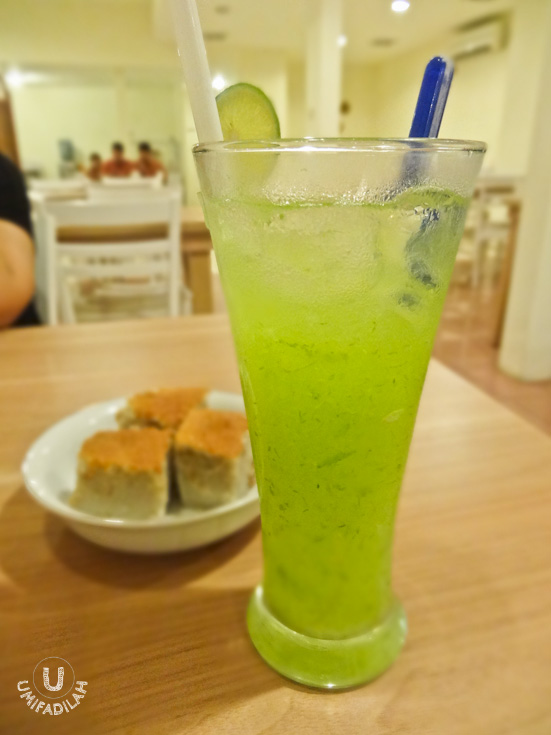 Es Timun/Iced Cucumber (IDR 12.000).  They used melon syrup this time. Not too sweet, so it's refreshing enough. Like this one better!