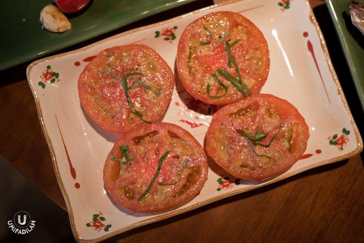 Tomato Ninniku Yaki (Tomato garlic) – IDR 27.500