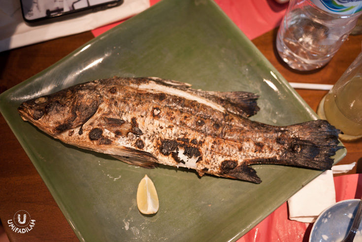 Sunappa Yaki (Grilled Snapper) – market price, have to ask.  Japanese, when it comes to grilling, likes to keep it simple. The fish is grilled as it is, without marinating steps at all. But instead, for every fish main course ordered, they're giving  Ponzu sauce  for you to dip in the flesh. Works quite nice for me.