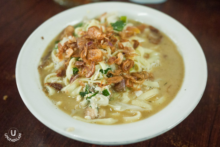 Bakmi Godhog – IDR 18.000.  If you're used to eating Javanese noodle, you'll notice that this version has a slightly wider noodle. Slurping the broth is essentially what makes this dish  a comfort food  for most people in Java. Even if this one's not as authentic as the ones in Jogja (there they use traditional wood & charcoal method for boiling the broth), I'd say it's still a strong contender. They use local free-range chicken, resulting in a richer, tastier soup.