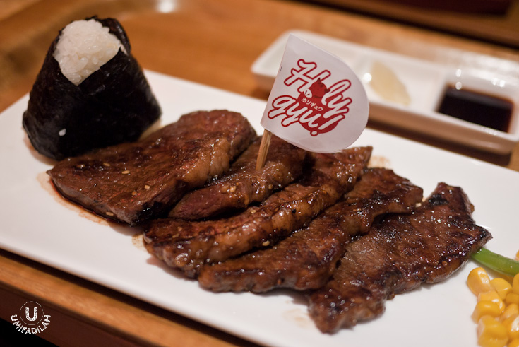 Wagyu Short Rib Boneless – IDR 142k (200gr) / IDR 100k (100gr).  This was,  wow . I mean,  did you see those layers of fat?  It was juicy, succulent, and if you cut right through you can still see some pink flesh of the fresh meat. Honestly when the waitress came in, he didn't ask us whether we wants it to be rare/medium/well-done; but when this adorable-looking steak came, I didn't file a single complaint. They know what's best. And I couldn't be happier.