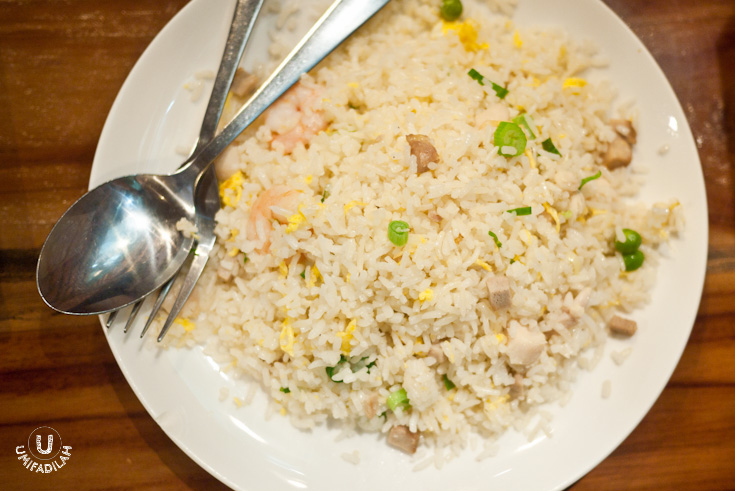Fried Rice with Seafood & XO Sauce – IDR 26.900.  Generous seafood hidden beneath the typical pale looking Chinese fried rice. Don't let the pale colors fool you, it's quite tasty but I still think their noodle wins over their rice menu selections.