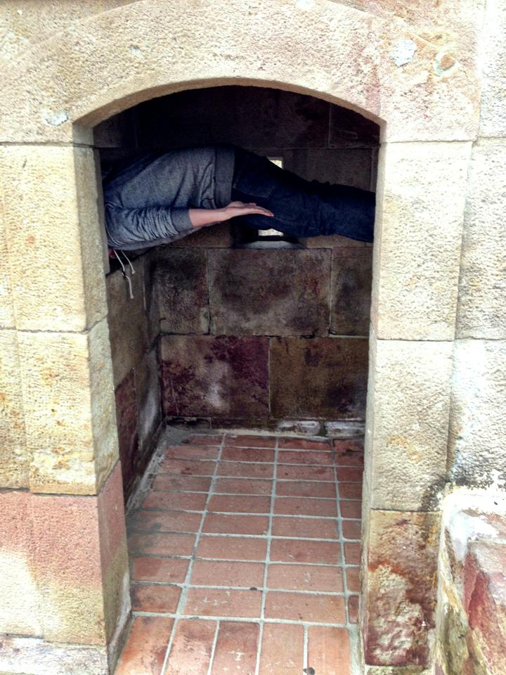 Ouch, that gotta hurt, man! (at   Castell de Montjuic  , Barcelona Spain)