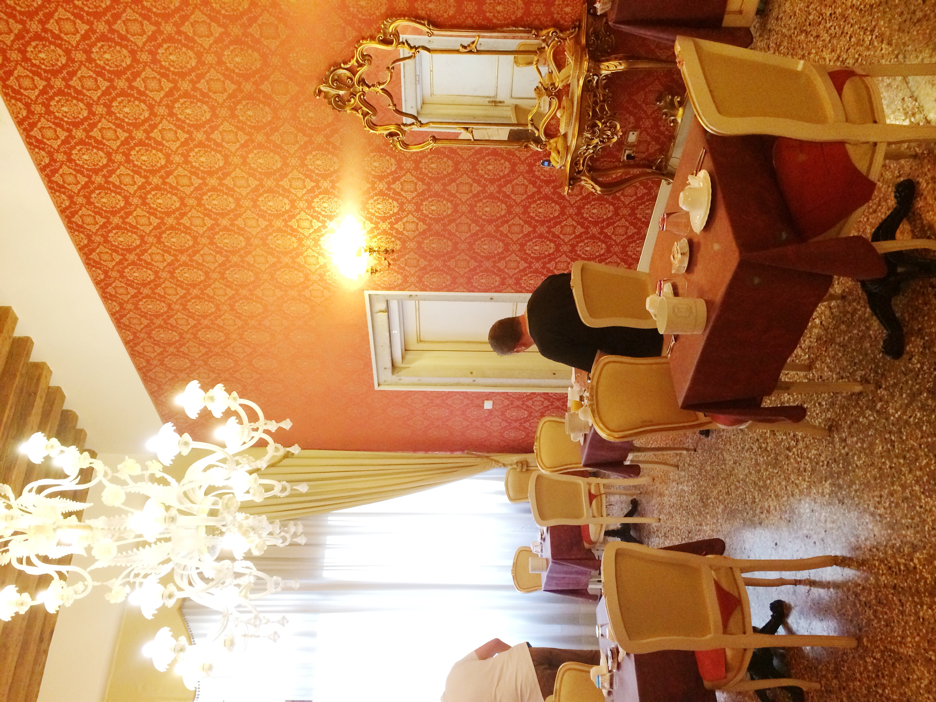 breakfast room (the biggest space in the building)