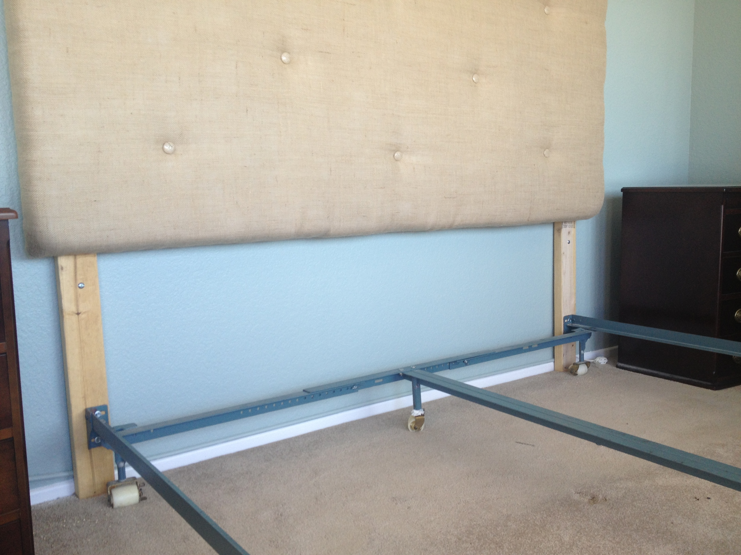 attached bed frame to headboard