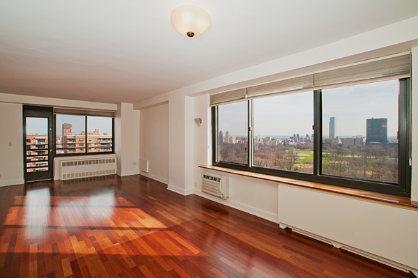 Central_Park_West_382_20-C_Living_Room2_.jpg