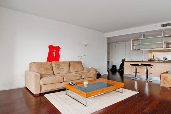 350_West_42nd_32E_Living_Room_.jpg