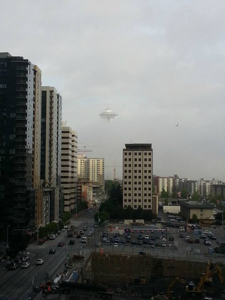UFO IN SEATTLE (actual, undoctored photo)!