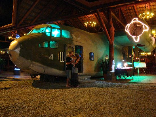 Nice bar, also in Costa Rica. Let's have a look inside...