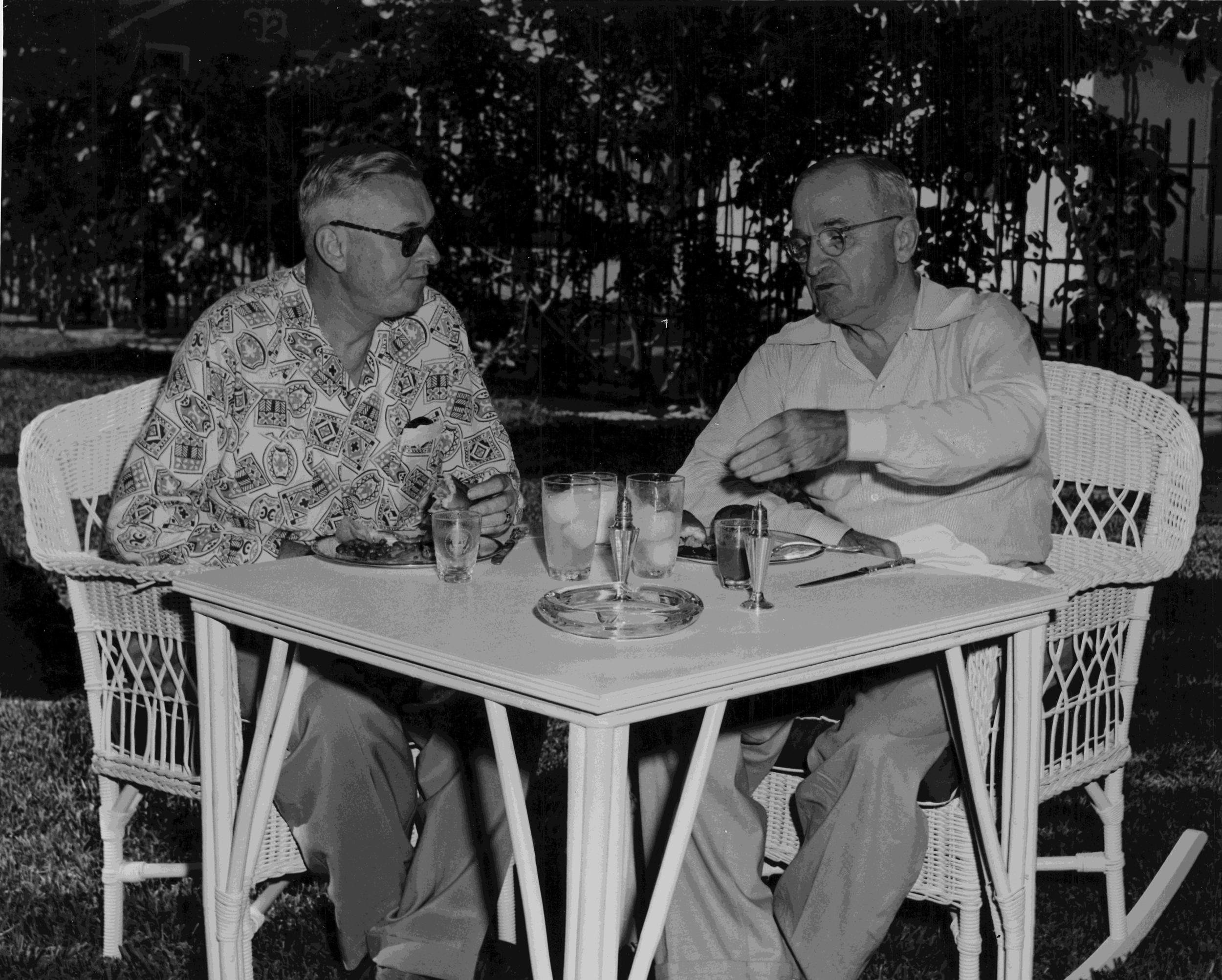 Chief of Staff Steelman briefs President Truman