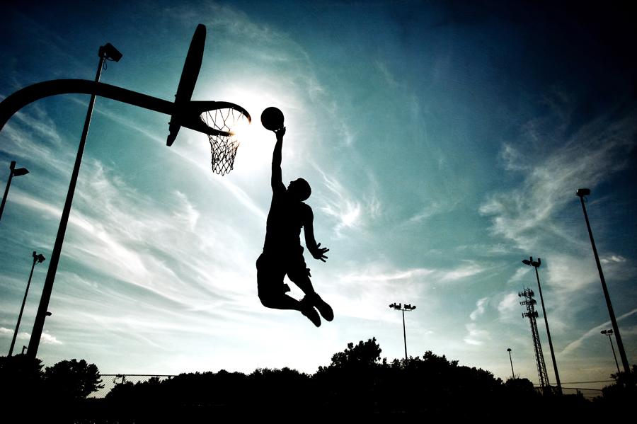 senior portrait basketball player.jpg